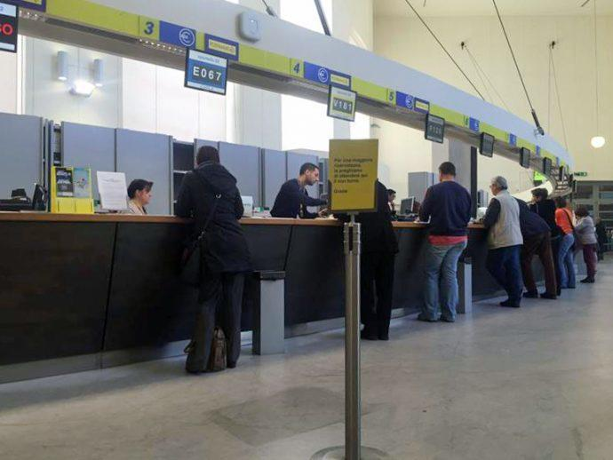 Projects: Italy's Postal Service Rolls Out 11,500 Digital Signs