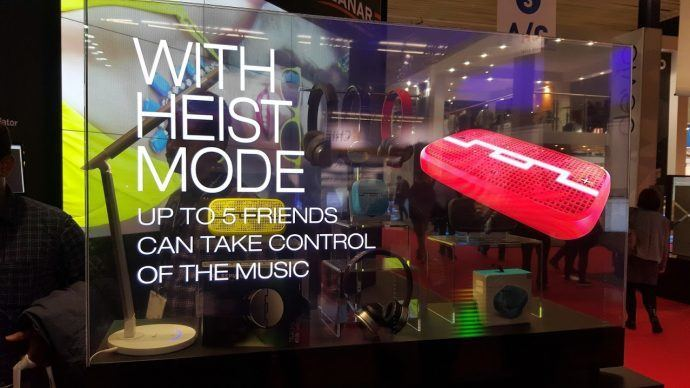 Demystifying OLED Displays For Digital Signage