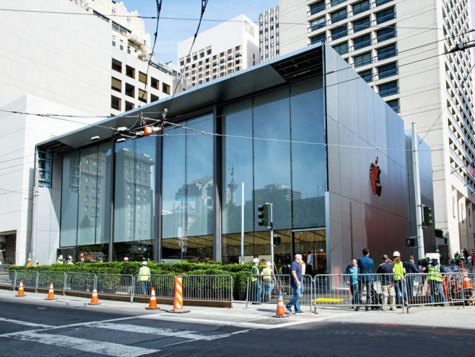 Projects: Apple Includes 6K Wall In New San Francisco Flagship