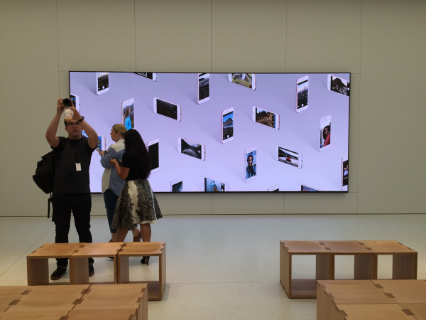 Apple Lights Up 6K LED Wall Today At New 1 WTC Store