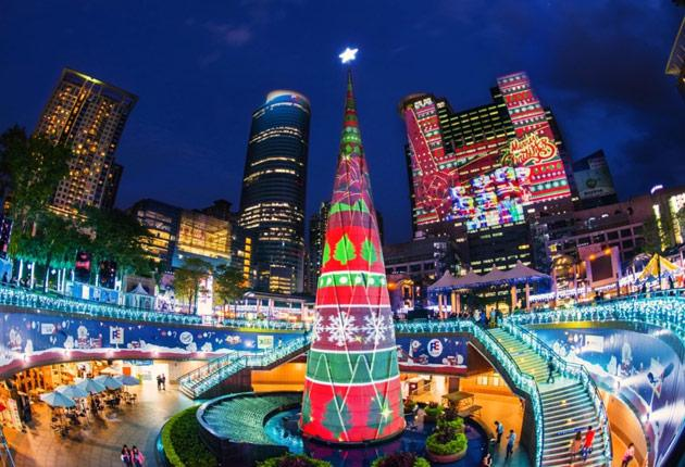 New Taipei's Christmasland Is Massively Projection-Mapped
